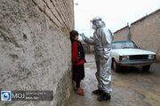 توزیع مواد ضد عفونی کننده در روستای کبیر آباد توسط گروه های مردمی
