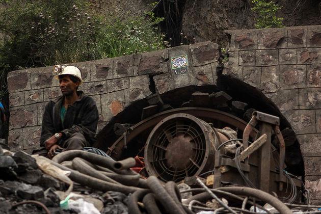 رئیس سازمان مدیریت بحران کشور در محل حادثه معدن یورت حضور یافت