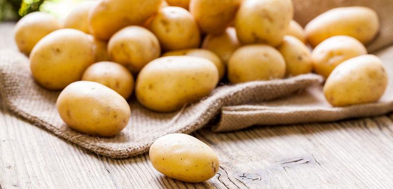 خواص سیب زمینی برای پوست/ تاثیر ماسک سیب زمینی و زردچوبه بر پوست