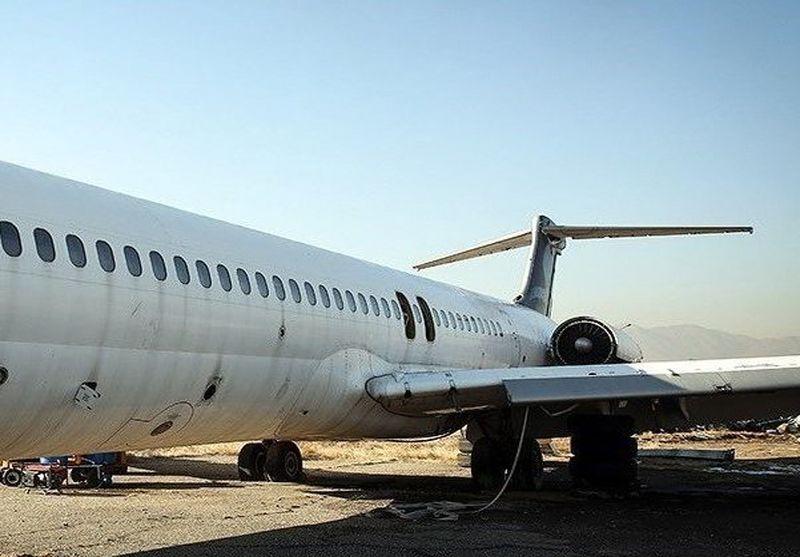 فرود موفق فوکر ۱۰۰ هما بدون چرخ عقب روی باند مهرآباد