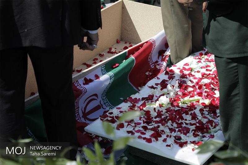 پیکرهای ۱۱۵ شهید تازه تفحص شده وارد کشور شد