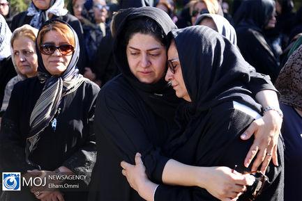 تشییع پیکر استاد خوشنویسی کردستان