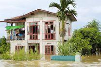 سیل در جنوب آسیا موجب آوارگی میلیون ها نفر شده است