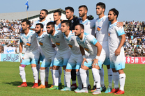 تیم فوتبال ملوان بندرانزلی میزبان تیم فوتبال فجر شهید سپاسی شیراز است