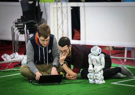 مازندران قهرمان سیزدهمین دوره مسابقات رباتیک بین المللی آزاد ایران شد