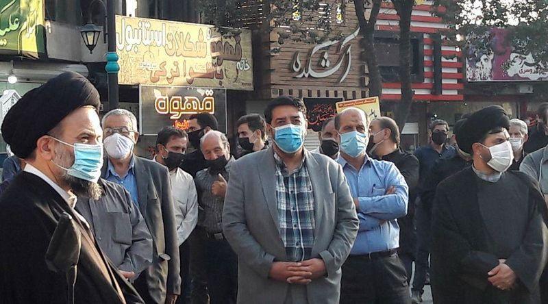 دشمن آگاه باشد بر روی نقاط حساس ملت ایران دست درازی نکند