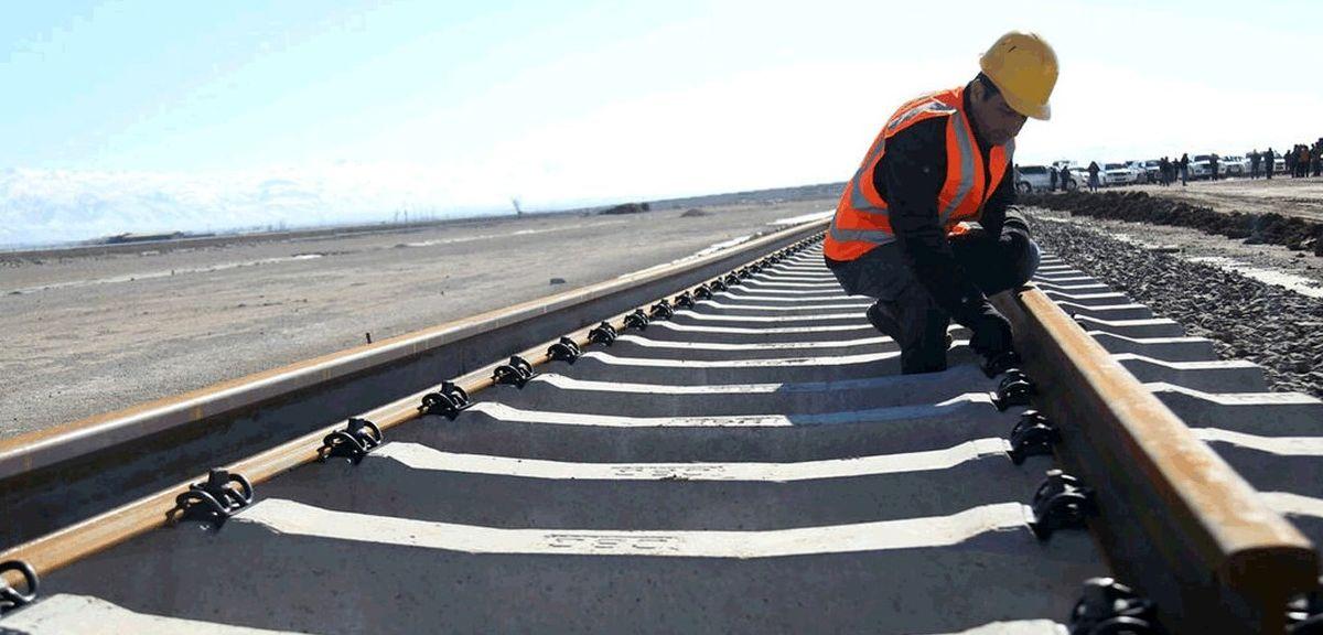 اعطای پروانه کاربرد علامت استاندارد به ریل شرکت راهآهن ذوب آهن