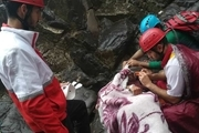 نجات کوهنورد ۵۵ ساله در کوههای دره کاشان