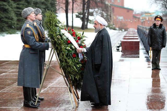 روحانی به قربانیان جنگ جهانی دوم ادای احترام کرد