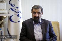 محسن رضایی با مصدومین زلزله مسجد سلیمان عیادت کرد