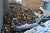فروریختن دیوار فرسوده باعث آسیب سه خودرو سواری