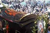 پیکر عالم وارسته و مجاهد انقلابی آیت الله عباس رحیمی در خمینی شهر تشییع شد
