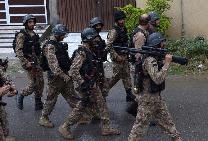 4 سرباز پاکستانی در انفجار بمب کنار جاده ای کشته شدند
