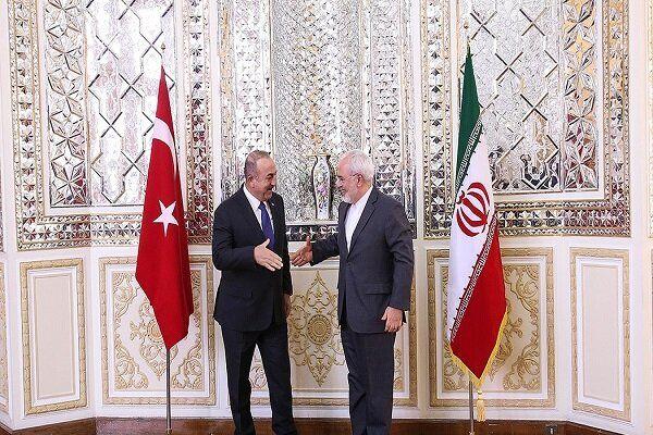 دیدار ظریف با وزیر خارجه ترکیه در آنکارا