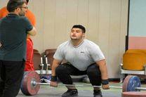 وزنه بردار فوق سنگین جوان ایران مدال آسیا را هم از دست داد/داوودی: با قدرت برمیگردم