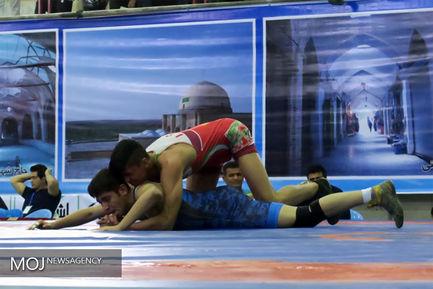 مسابقات کشتی فرنگی و آزاد قهرمانی نوجوانان کشور
