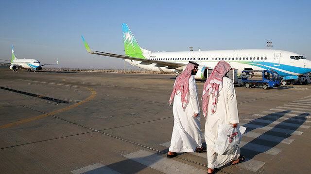 عربستان کلیه پروازهای خارجی را برای مبارزه با کرونا لغو می کند