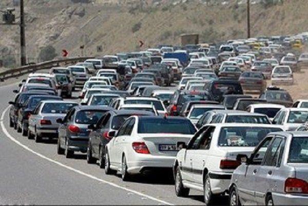 ترافیک پرحجم در جادههای هراز و چالوس در 24 فروردین