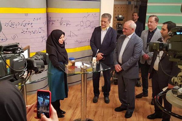 مدرسه تلویزیونی ایران سبک تدریس یکسان را در کشور ترویج دهد