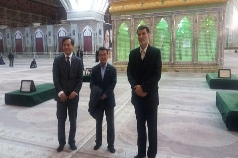 ادای احترام سفیر و نماینده مجلس کره جنوبی به رهبر کبیر انقلاب اسلامی