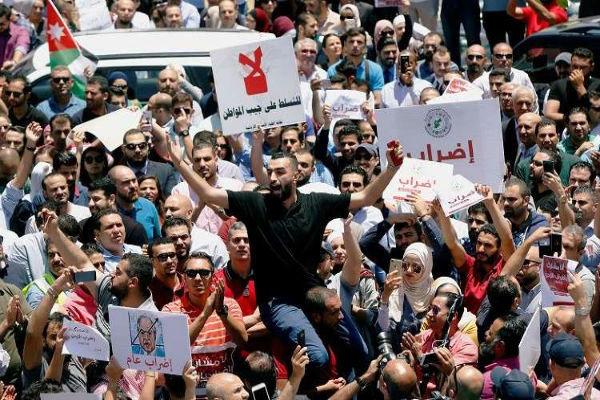اعتراضات در اردن ادامه دارد