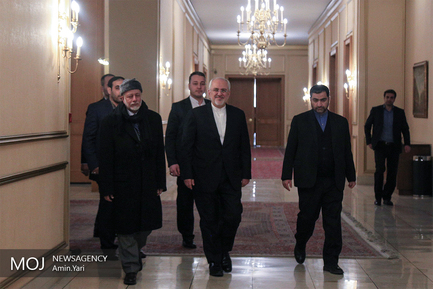 دیدار وزیر امور خارجه عمان با ظریف