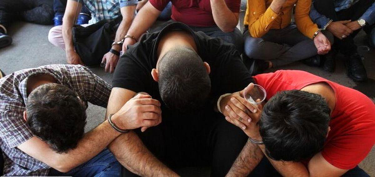 دستگیری 4 سارق خودرو در اصفهان / اعتراف متهمین به 40 فقره سرقت