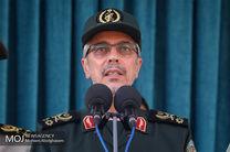 مردم باید نیروی انتظامی را پناه خود بدانند/با خون خود پای امنیت کشور ایستاده ایم
