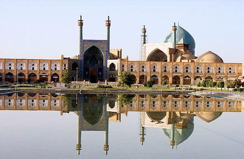 عملیات نقشه برداری میدان امام اصفهان انجام شد