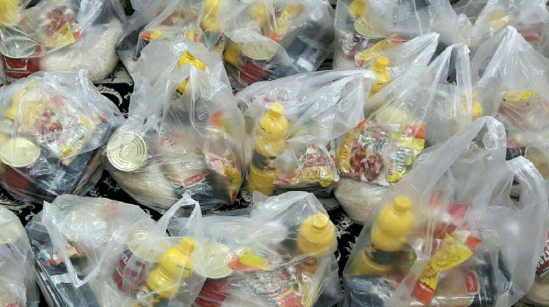 جزئیات توزیع بستههای غذایی کمیته امداد میان مددجویان