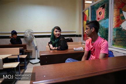 هانیه توسلی در مدرسه انجمن حمایت از کودکان کار