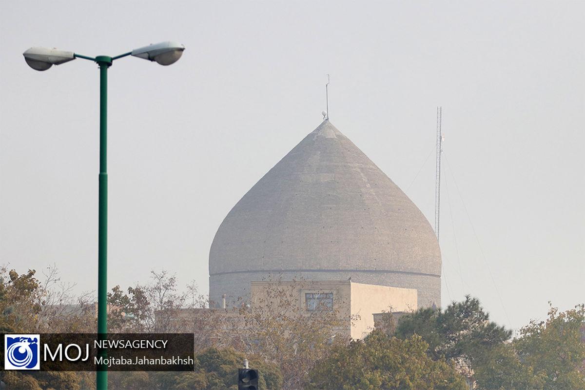 هوای اصفهان برای گروه های حساس ناسالم است / شاخص کیفین هوا 111