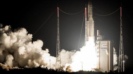 موشک آریان 5 دو ماهواره جدید را به فضا برد