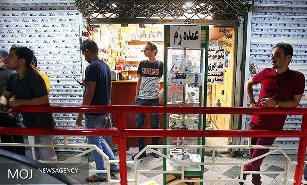 جمعآوری گوشیهای قاچاق و دستگیری ۴ عامل قاچاق از پاساژ علاءالدین