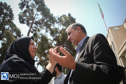 حاشیه جلسه هیات دولت - ۱۲ تیر ۱۳۹۸ / محمد اسلامی وزیر راه و شهرسازی