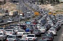 آخرین وضعیت ترافیکی جاده ها/ترافیک سنگین در آزاد راه کرج-تهران
