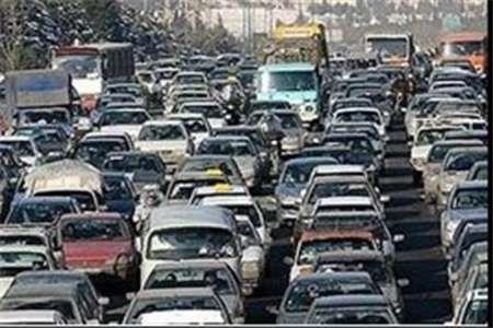 ترافیک محورهای تهران-کرج و فشم-تهران سنگین است