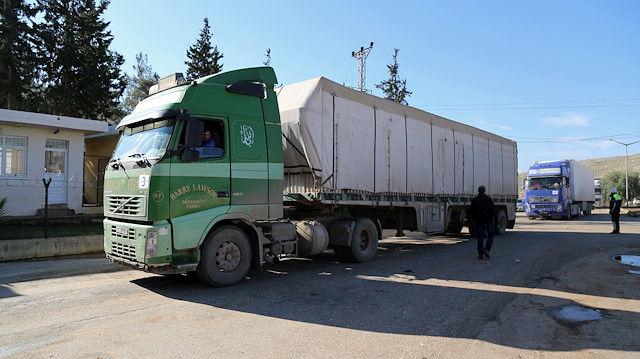 سازمان ملل 17 کامیون کمک های بشر دوستانه به ادلب سوریه فرستاد