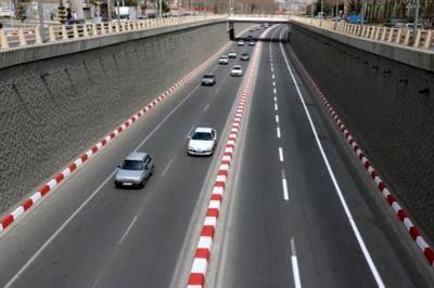 در آستانه فرارسیدن مهرماه طول تمام خیابان های اصلی خط کشی می شود