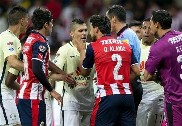 اعتصاب داوران مکزیکی باعث لغو بازیها شد