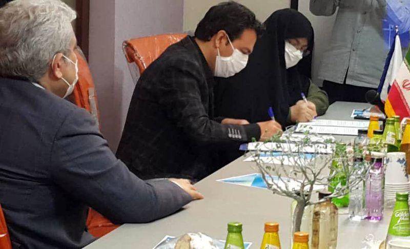 امضاء تفاهم نامه مخابرات اصفهان و مرکز نوآوری سلامت دیجیتال