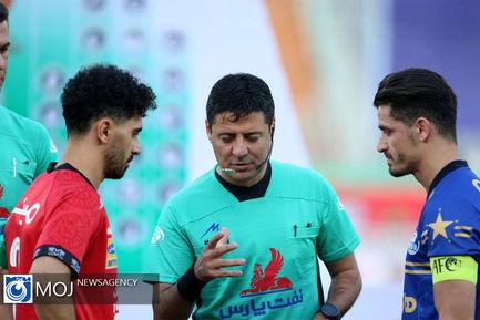دیدار تیم های فوتبال پرسپولیس و استقلال تهران