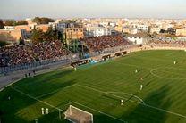 خطر و ریزش جایگاه تماشاگران در ورزشگاه شهید وطنی قائم شهر وجود دارد