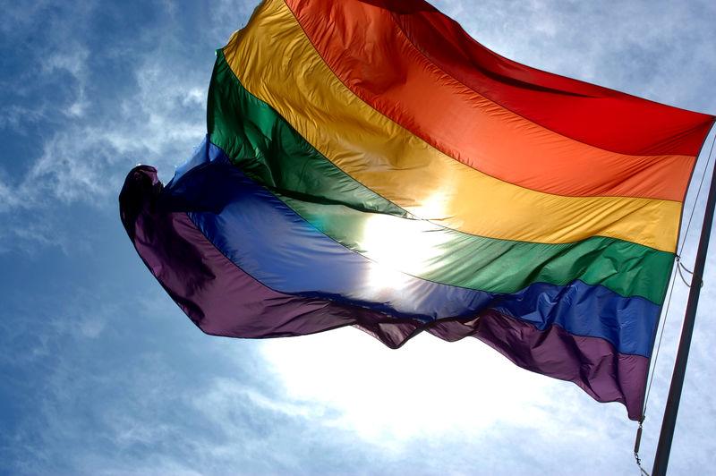 برافراشته شدن پرچم همجنس گرایان در عراق توسط اتحادیه اروپا
