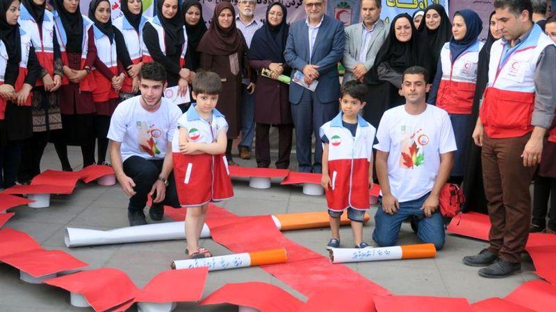 نمایشگاه هفته جهانی مبارزه با مواد مخدر در پیاده راه فرهنگی شهر رشت افتتاح شد