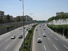 جوی آرام و ترافیکی روان در جادهها در روز عید