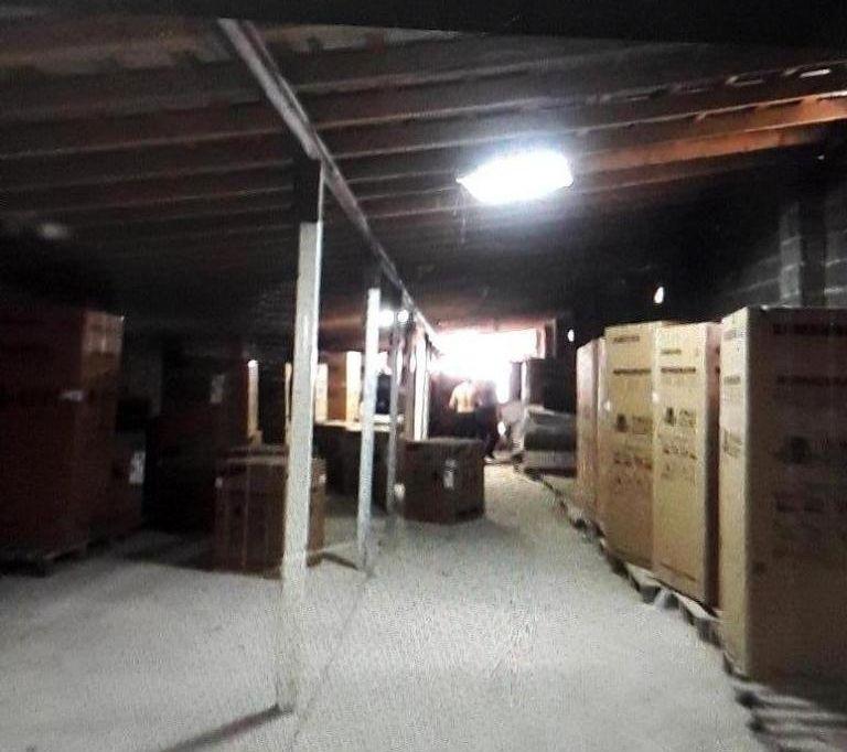 کشف انبار لوازم خانگی قاچاق در صومعهسرا