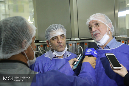 بازدید رییس جمعیت هلال احمر از شرکت تجهیزات پزشکی