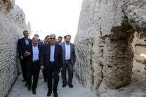 قلعه تاریخی ایزدخواست می تواند به عنوان دروازه اصلی استان فارس احیا شود