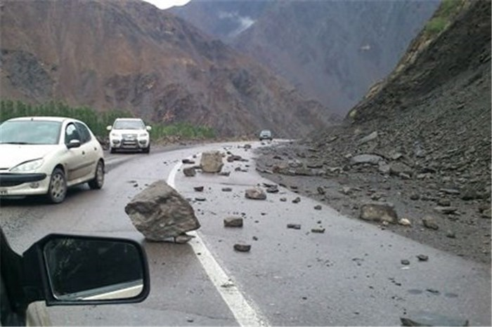 کارشکنی مدیران هرمزگانی علت مرگبار ماندن جاده حاجی آباد-سیرجان